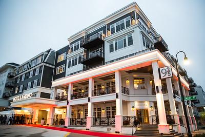 26 - RobertEvansImagery com Hotel Landing  11-4-17  BX2A8397