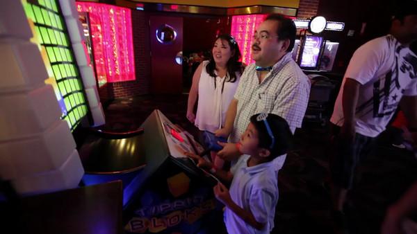 MVI_9926-Brian Hashimoto Birthday Party-Dave and Busters-Ward Entertainment Center-Honolulu-Hawaii-November 2012
