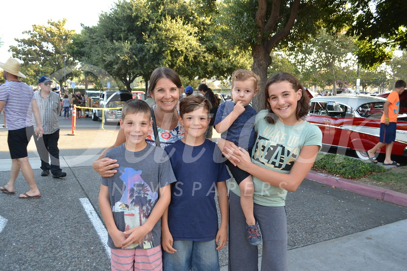 Dylan and Tracy Ackeret with Dashiel, Corbin and Averie Newquist