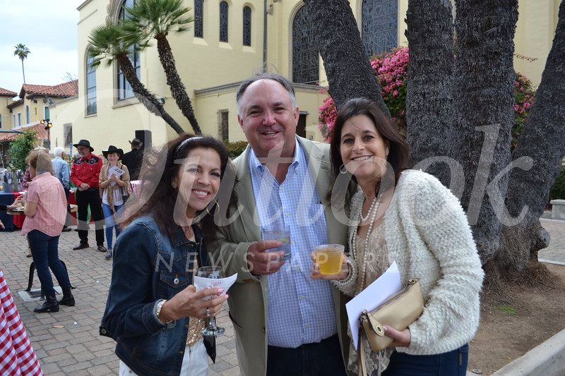Rochelle Aschieris with Tom and Christina Altmayer