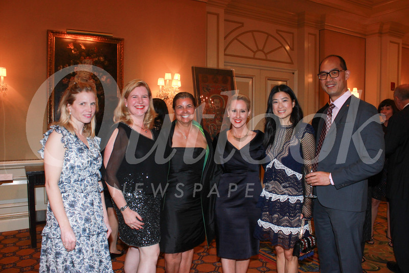 Elizabeth Bray, Stephanie McLemore, Jeannie Montagano, Bethany Montagano, and Queence and Henry Choi