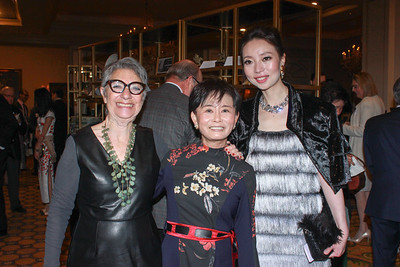Pacific Asia Museum Interim Director Selma Holo with honorees Mei-Lee Ney and Vivienne Hu