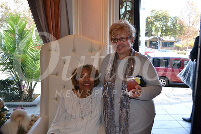 DSC_ Reta Floyd and Mildred Dockery 1462