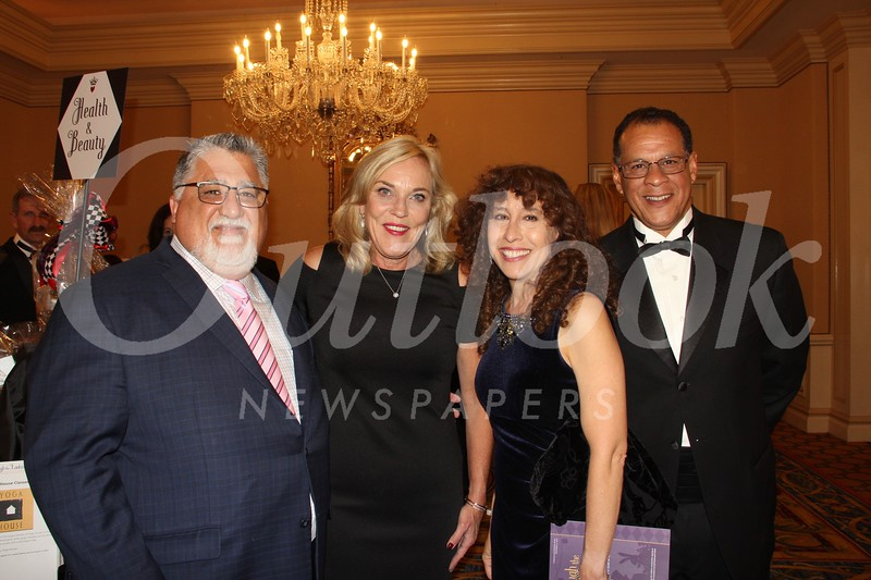 Anthony Portantino, Kathryn Barger, Tournament of Roses President Laura Farber and her husband, Tomás Lopez