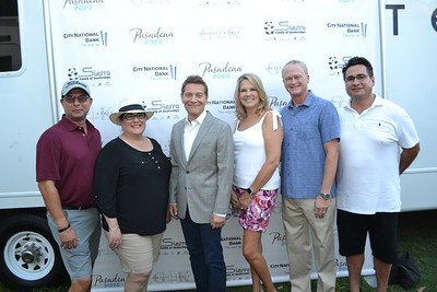 Ray and Lynne Crouse, Michael Feinstein, Elvia and Ron Saputo, and Jim Vedenti