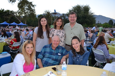 Susan Stavis (seated, from left), Manny Kaplan and Chloe Stavis. Back: Kim, Jenina and Don Garrett.
