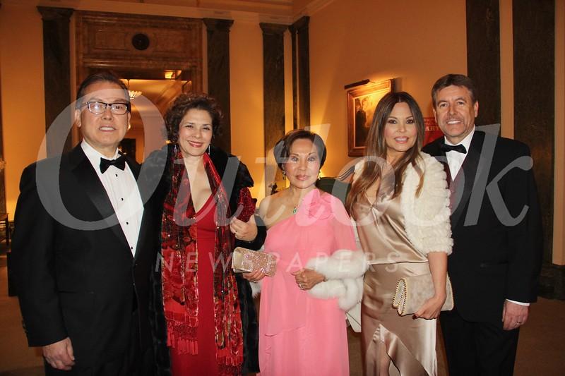 Ralph and Susan Moore, Priscilla Hunt, Brenda Nowotka and Steve Allen