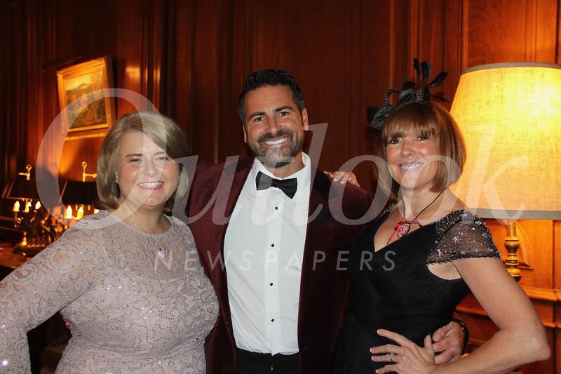Gillian and Gavin Schofield-Smith with Barbara Allen