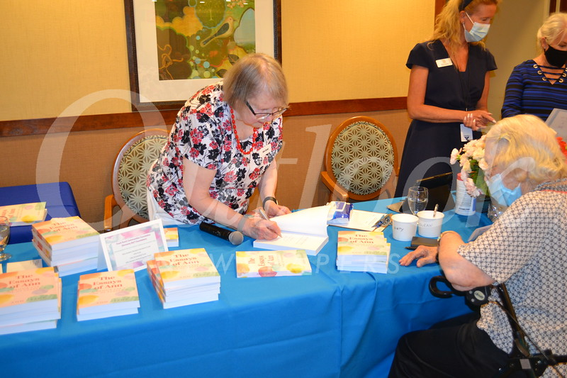 DSC_ Author Ann Grant signs a book for Anne Jennings 0383