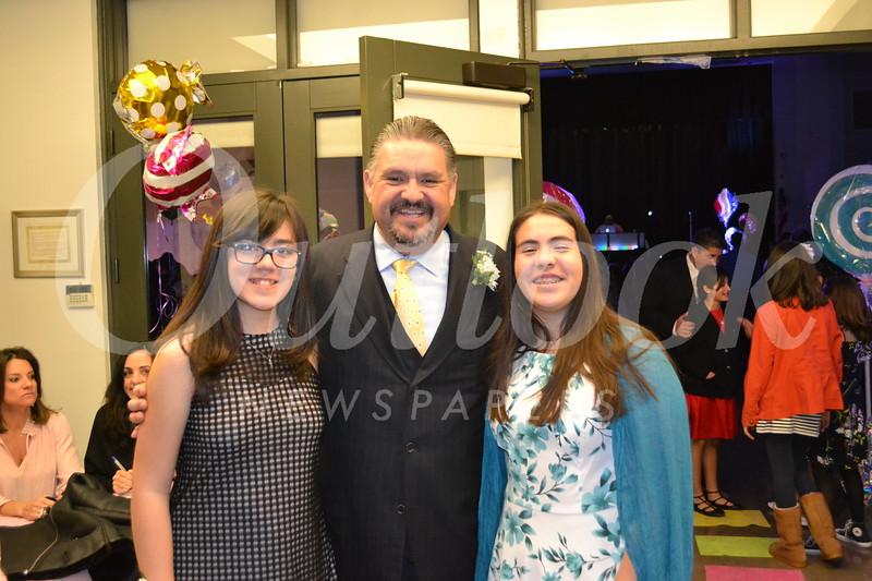 DSC_ Joan Elyse Giordano with Alberto and Olivia Ocon 2270