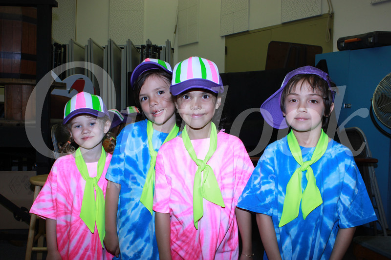 0448 Evelyn McCullough, Iris Thyne, Leela Williams and Oliver Holmes