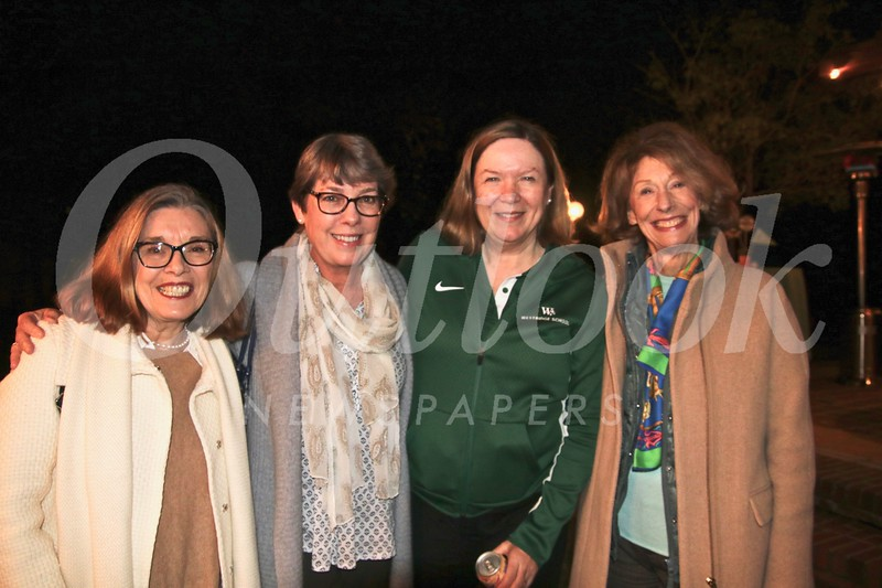 Ava Megna, Susie Icaza, Head of School Elizabeth McGregor and Pam Kaye