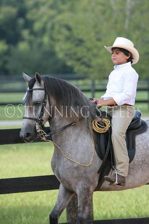 Relicario under saddle