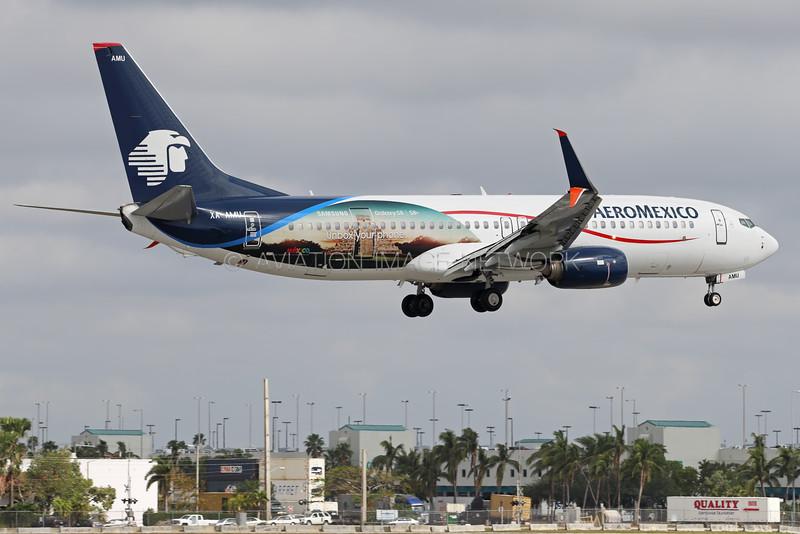 XA-AMU | Boeing 737-852 | AeroMexico
