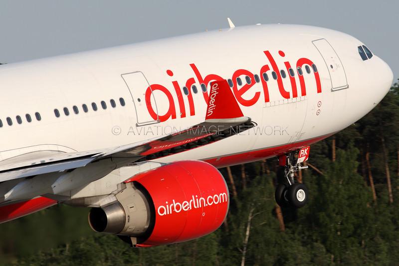 D-AERK | Airbus A330-322 | Air Berlin
