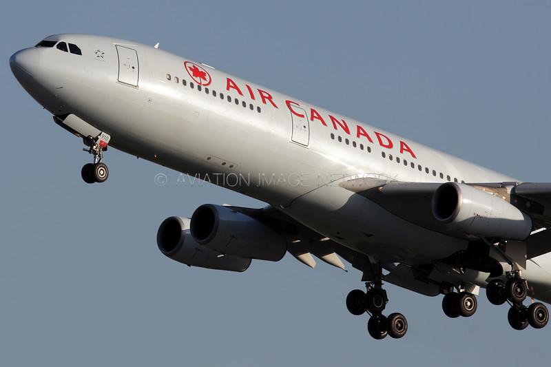 C-GDVZ   Airbus A340-313   Air Canada