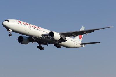 C-FNNQ   Boeing 777-333/ER   Air Canada