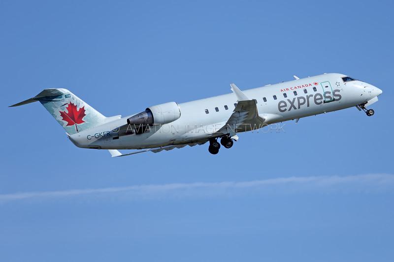 C-GKFR   Canadair CRJ-200ER   Air Canada Express (Air Georgian)