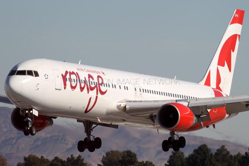 C-FIYE | Boeing 767-33A/ER | Air Canada Rouge