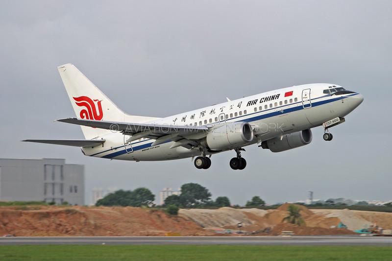 B-5037   Boeing 737-66N   Air China
