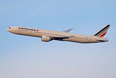 F-GSQJ | Boeing 777-328/ER | Air France
