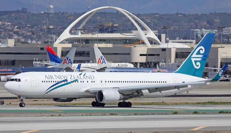 ZK-NCL | Boeing 767-319/ER | Air New Zealand