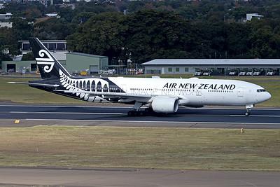 ZK-OKE   Boeing 777-219/ER   Air New Zealand