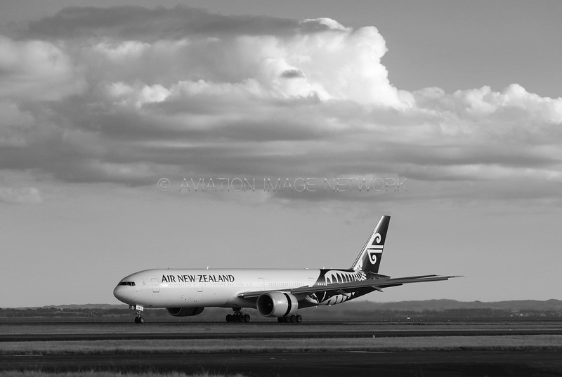 ZK-OKS   Boeing 777-319/ER   Air New Zealand
