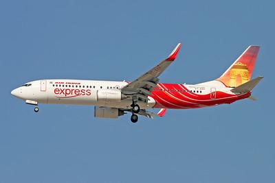 VT-AXH   Boeing 737-8HG   Air India Express