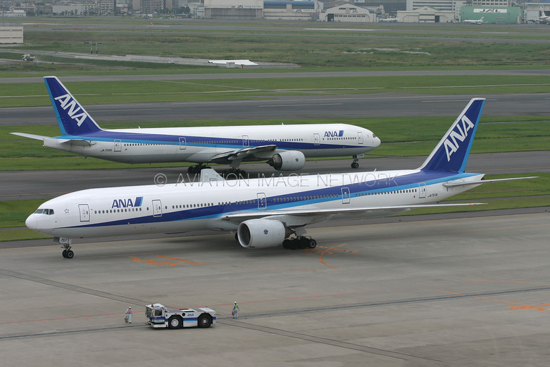 JA755A | JA757A | Boeing 777-381 | ANA - All Nippon Airways