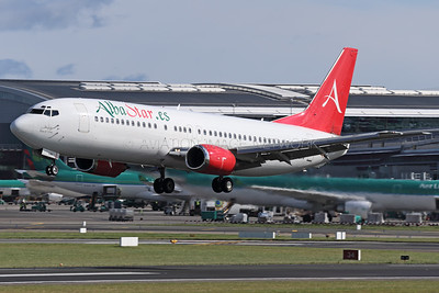 EC-LAV   Boeing 737-408   AlbaStar