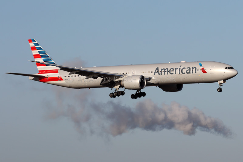 N736AT | Boeing 777-323/ER | American Airlines