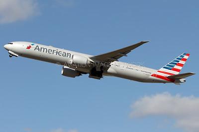 N724AN   Boeing 777-323/ER   American Airlines