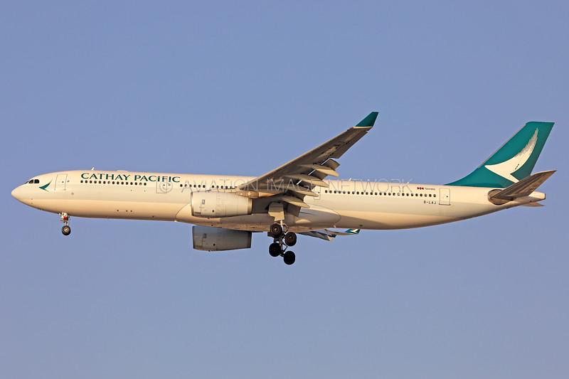 B-LAJ   Airbus A330-343   Cathay Pacific