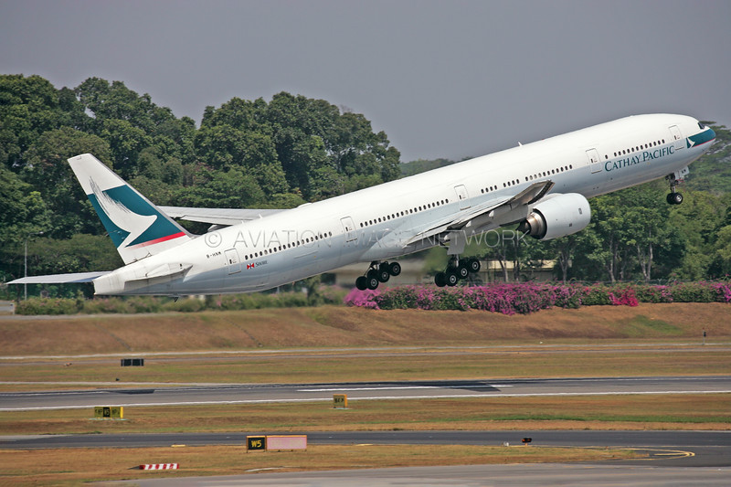 B-HNM | Boeing 777-367 | Cathay Pacific