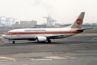 N70352 | Boeing 737-3T0 | Continental Airlines