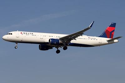 N327DN | Airbus A321-211 | Delta Air Lines
