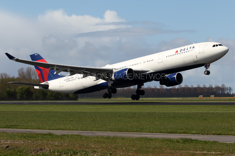 N801NW | Airbus A330-323 | Delta Air Lines