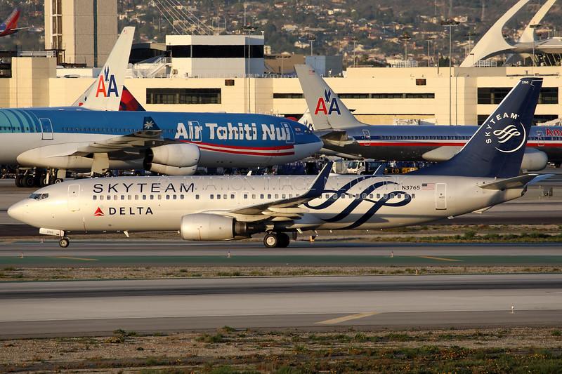 N3765   Boeing 737-832   Delta Airlines