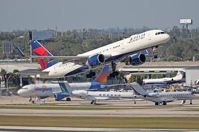 N6707DN | Boeing 757-232 | Delta Air Lines