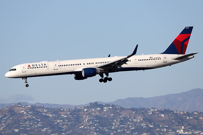 N585NW | Boeing 757-351 | Delta Air Lines