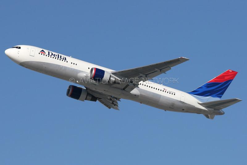 N1607B | Boeing 767-332/ER | Delta Air Lines