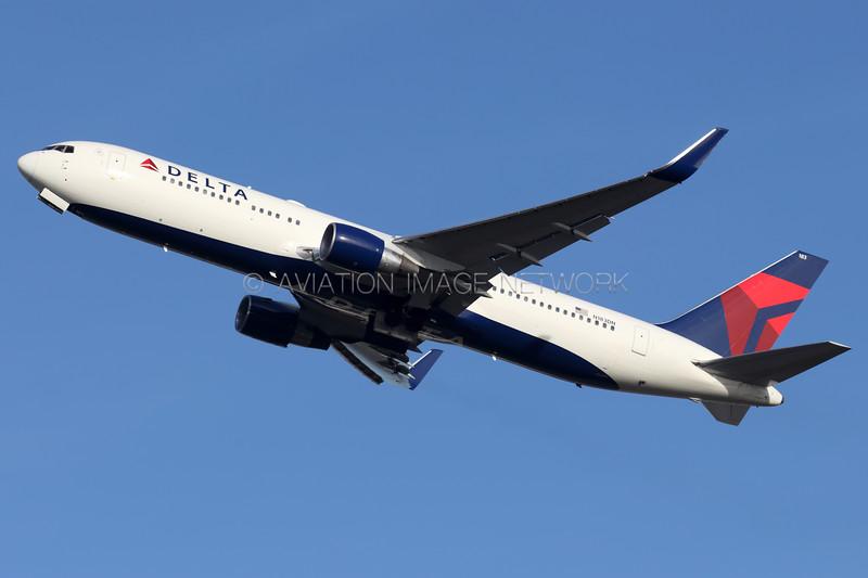 N183DN   Boeing 767-332/ER   Delta Air Lines