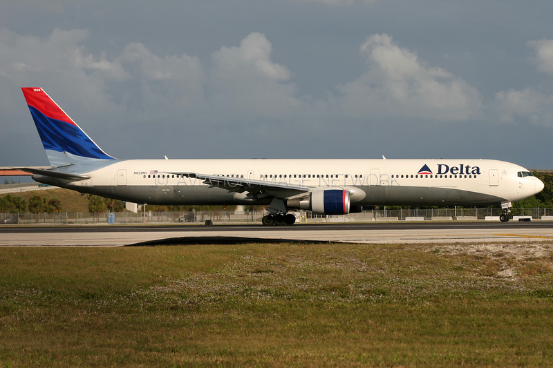 N833MH | Boeing 767-432/ER | Delta Air Lines