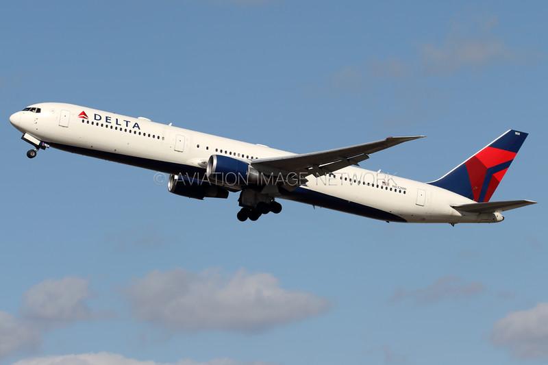 N832MH | Boeing 767-432/ER | Delta Air Lines