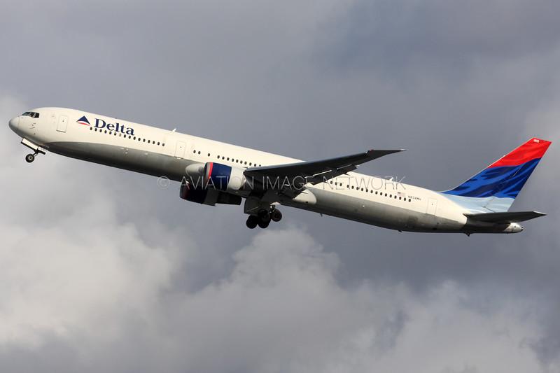 N834MH | Boeing 767-432/ER | Delta Air Lines