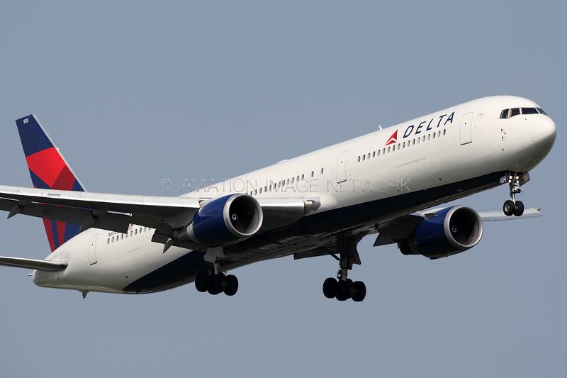 N834MH   Boeing 767-432/ER   Delta Air Lines