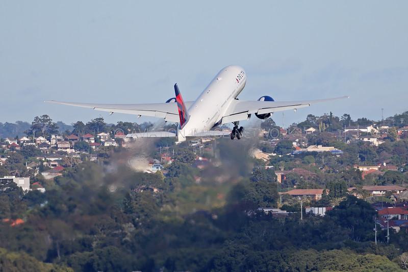 N705DN | Boeing 777-232/LR | Delta Air Lines