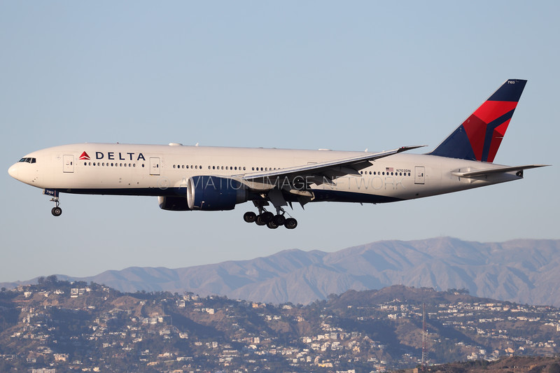 N703DN   Boeing 777-232/LR   Delta Air Lines   United Airlines