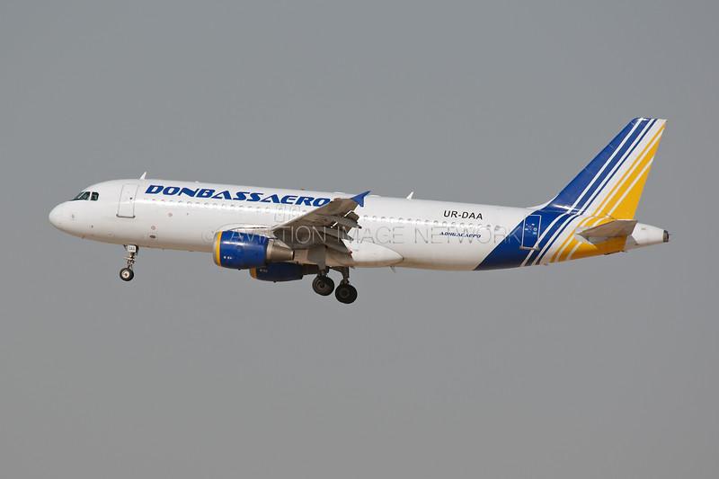 UR-DAA   Airbus A320-211   Donbassaero